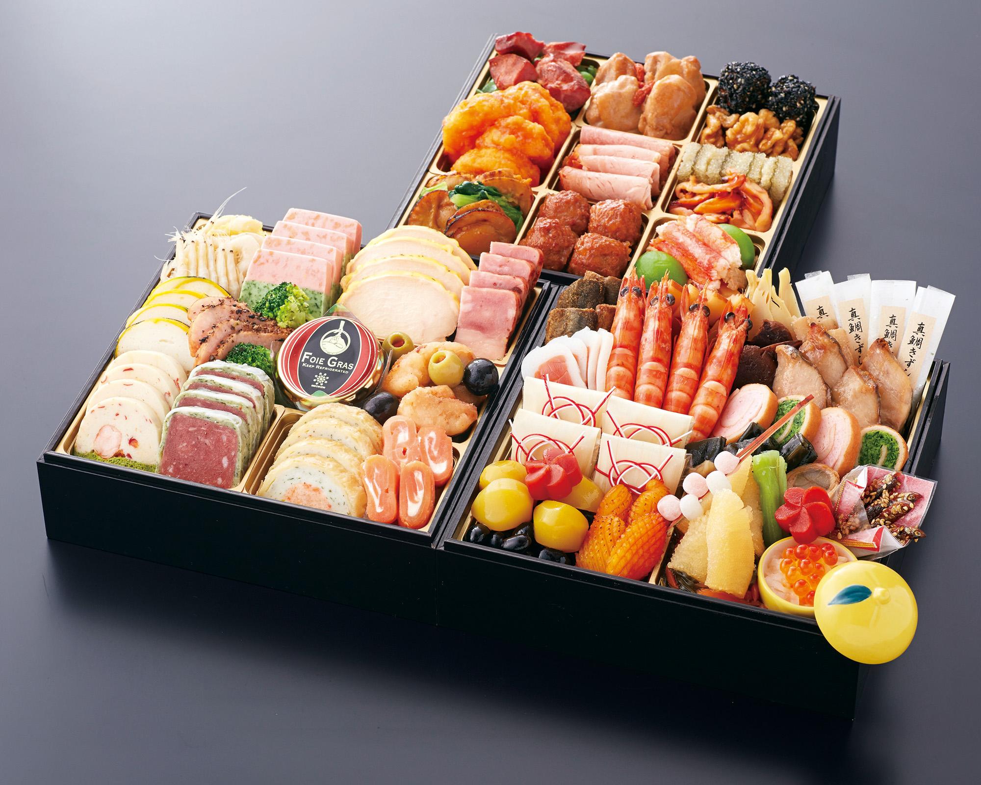 おせち料理 和洋中 三段重(3~4名様用)画像