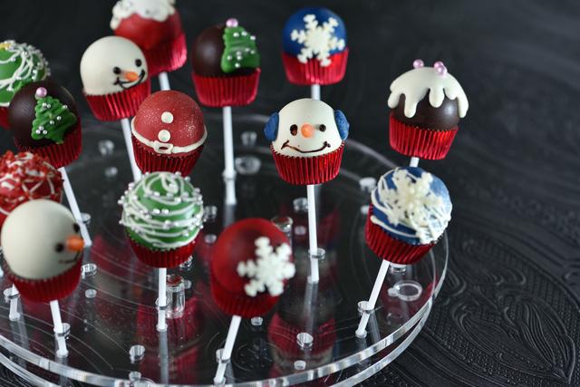 クリスマスケーキポップ 3個(箱入り)の画像