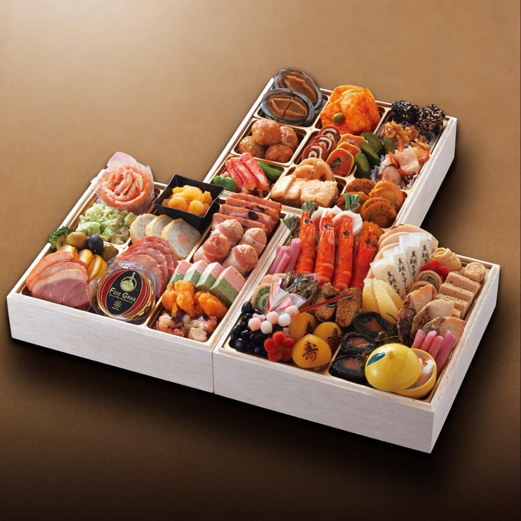 おせち料理 和洋中 三段重(3~4名様用)の画像