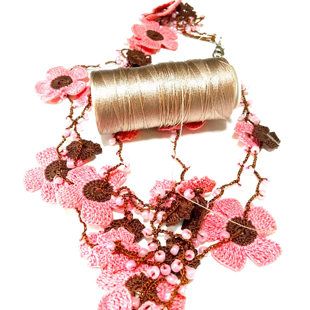 ミーネコレクション 手編みレースアクセサリー画像