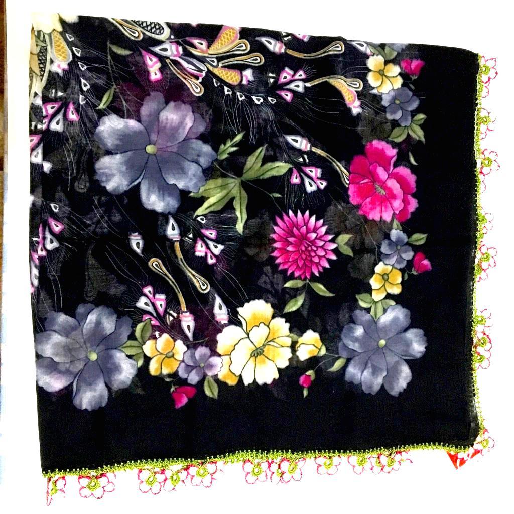 オールシーズン可能な、お花のモチーフのトルコオヤスカーフ画像