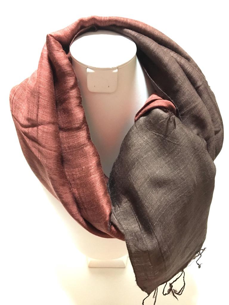 手織りベトナムシルクスカーフの画像