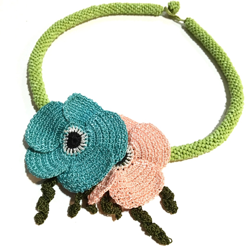 お花のオヤ付ボンジュク(ビーズ)ネックレスの画像