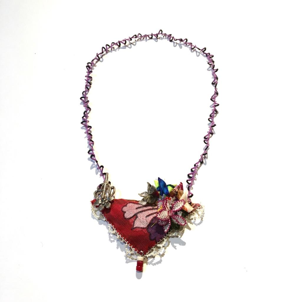 トルココットン三角オヤのネックレスの画像