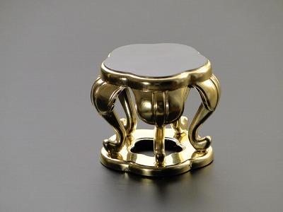 梅型仏器台2.5寸総金(本金)の画像