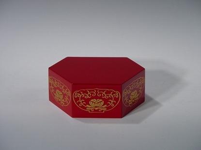 六角仏像台 朱 2号(木質木地)の画像