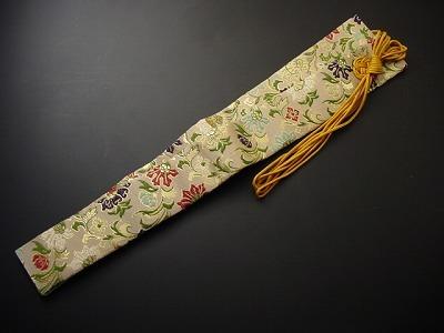 半袈裟(正絹)白茶地宝相華柄の画像