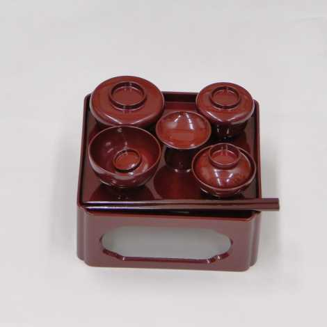 上質プラスチック製 御膳 (朱)5.5寸の画像