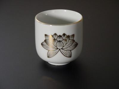 湯飲み・茶湯器/蓮絵柄2.2寸の画像