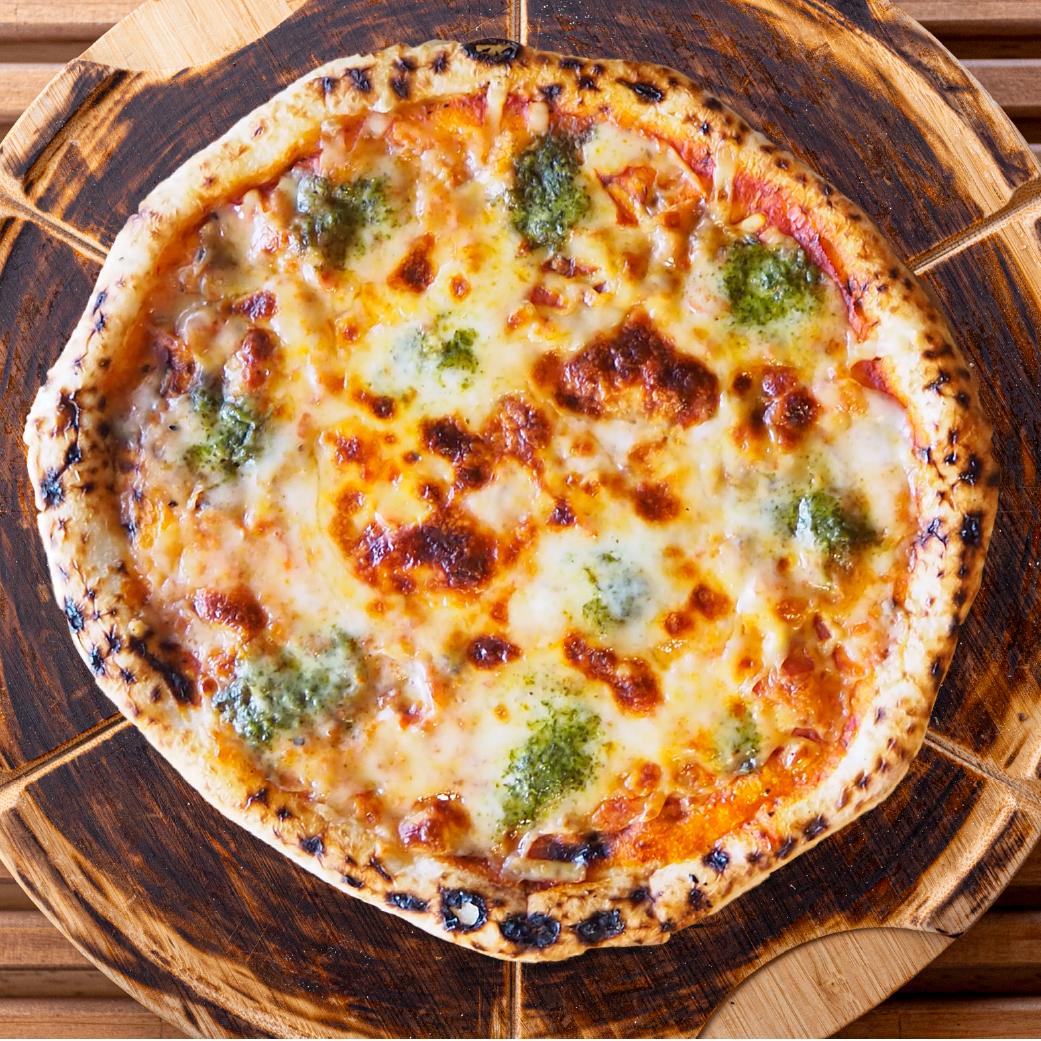 パン屋さんの長時間発酵ピザ マルゲリータ画像