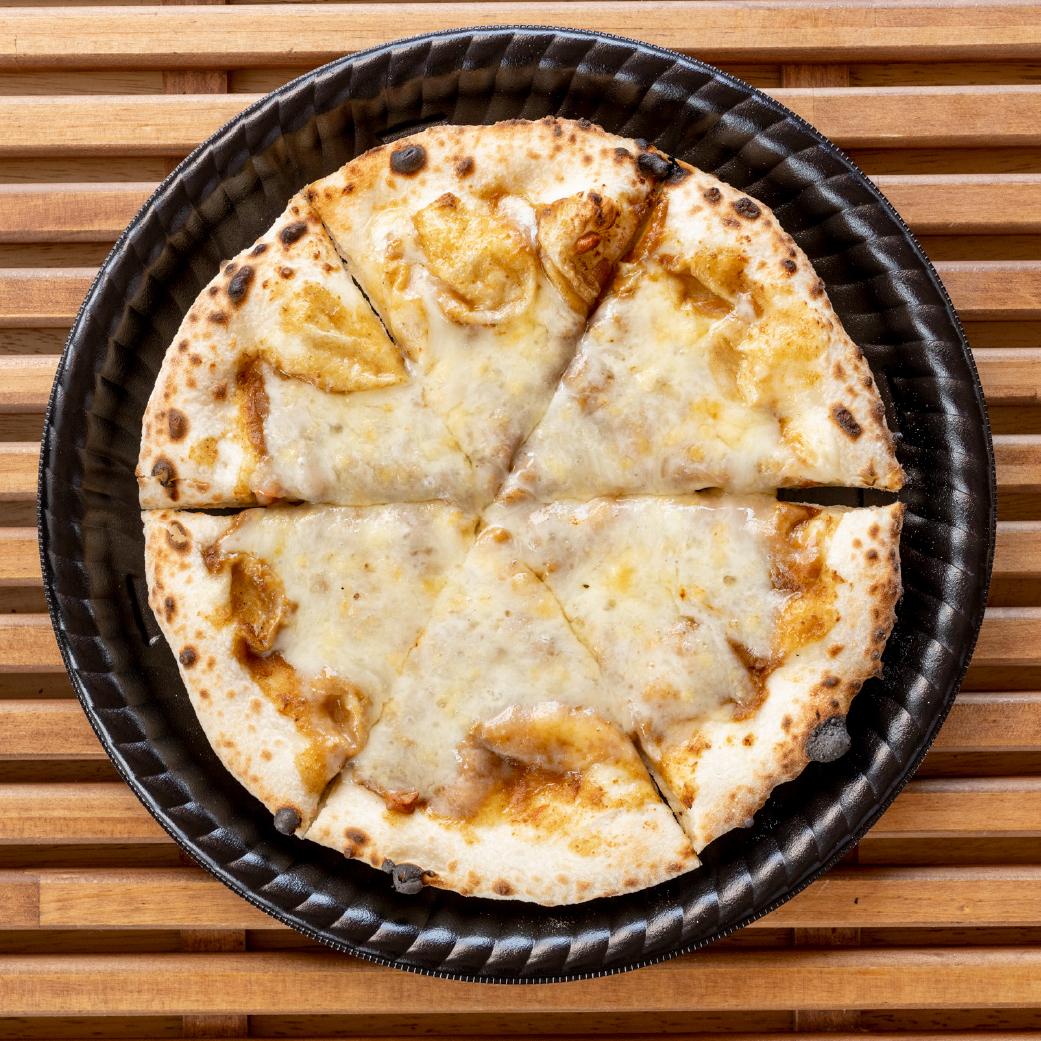パン屋さんの長時間発酵ピザ おかざきカレー画像