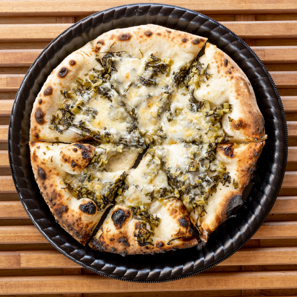 パン屋さんの長時間発酵ピザ 野沢菜マヨ画像