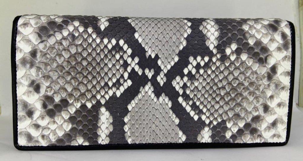 ニシキヘビ革 長財布の画像