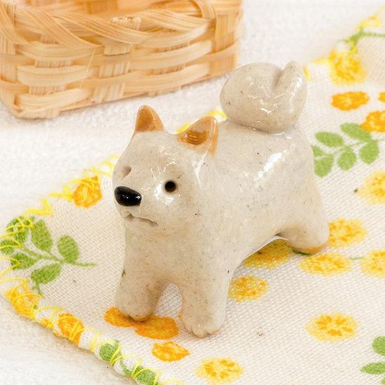 豆屋 箸置き(柴犬 白 立ち)の画像