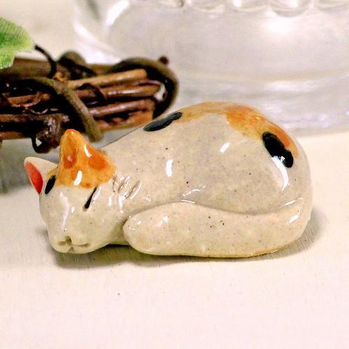 豆屋 箸置き(ねこ まるまり ミケ赤茶)の画像