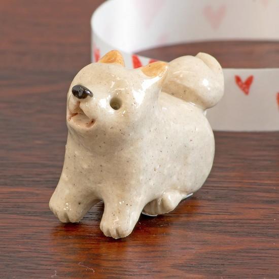 豆屋 箸置き(柴犬 白 おすわり 見あげ)の画像