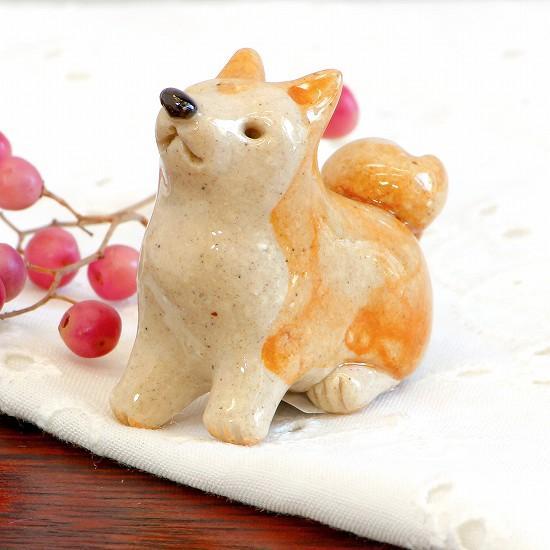 豆屋 箸置き(秋田犬 おすわり)の画像