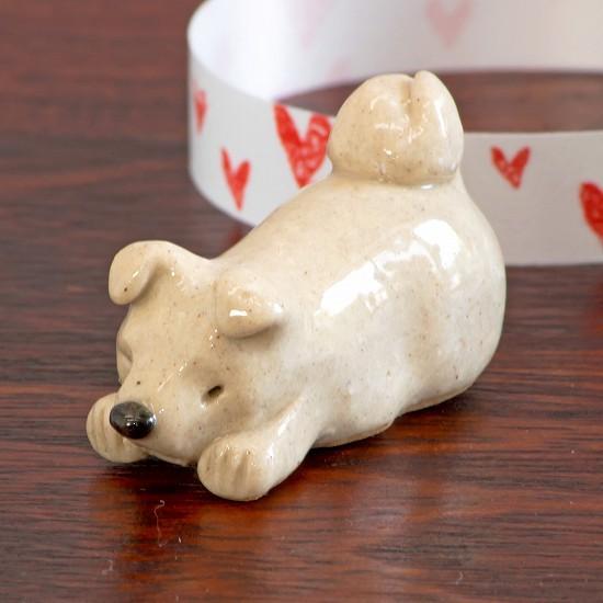 豆屋 箸置き(秋田犬 白 ふせ)の画像