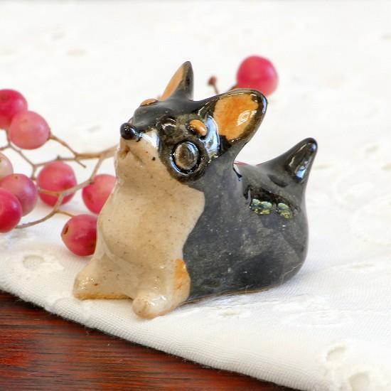 豆屋 箸置き(チワワ スムース ふせ ブラック&タン)の画像