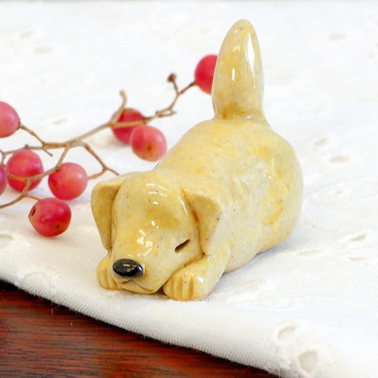 豆屋 箸置き(ラブラドール レトリーバー イエロー 目とじ寝)の画像