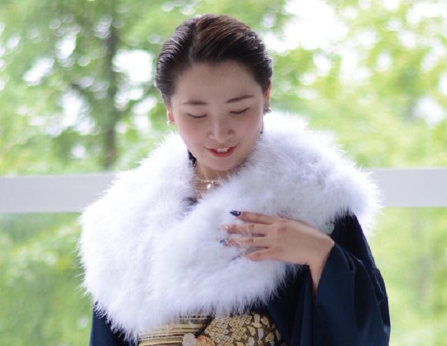 《成人式》フェザーストール☆白の画像