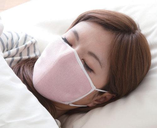 シルク100%の就寝時用マスク