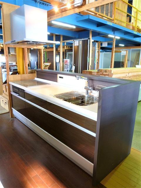 クリナップシステムキッチン クリンレディ スリム対面プランの画像