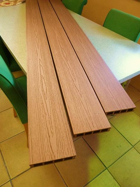 人工木ウッドデッキ材の画像