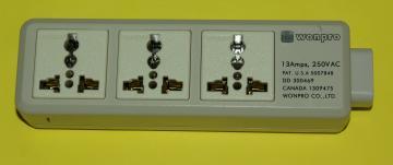 海外用ユニバーサル電源タップ250V 13Aの画像