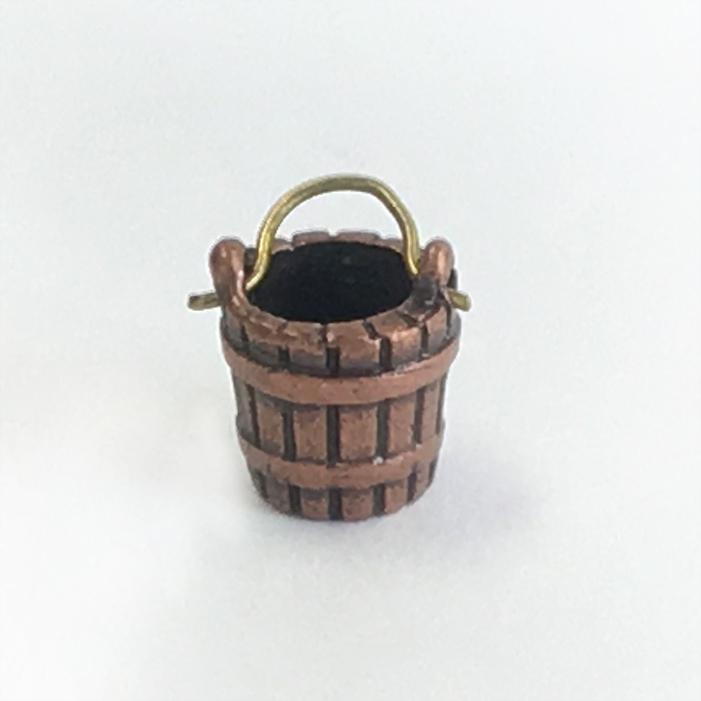 バケツ(金属製:1個)の画像