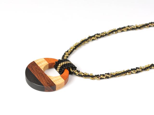 寄木とビーズチェーンのネックレス の画像