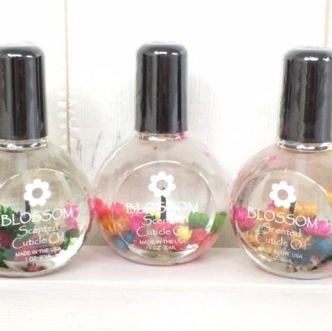 Blossomネイルオイル*ドライフラワー入りの画像