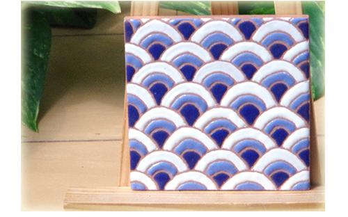 パターンタイル「青海波」75×75mmの画像