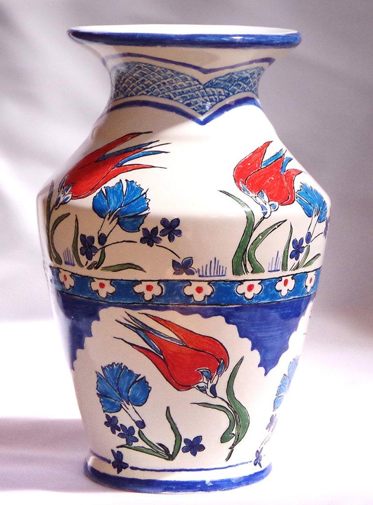 トルコ風デザインの花瓶の画像