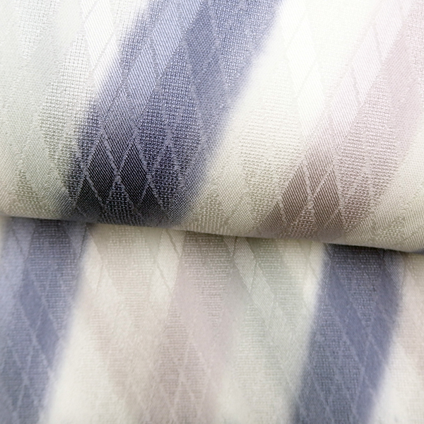 紐の渡敬 帯揚げ 紗アーガイル斜ぼかし / 藤紫×白藤色×白×銀鼠 / 正絹 日本製 / 無料配送対応可 即日発送可 / 正規品 新品の画像