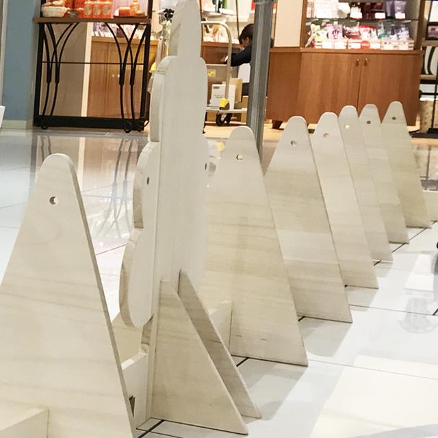 【レンタル専用】 ビー玉転がり防止用 木製柵(全長22.4m)の画像