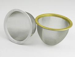 枠はカラーアルミ、金網はステンレスの茶漉し