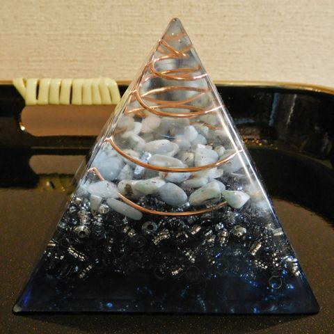 オルゴナイトピラミッド 青の画像